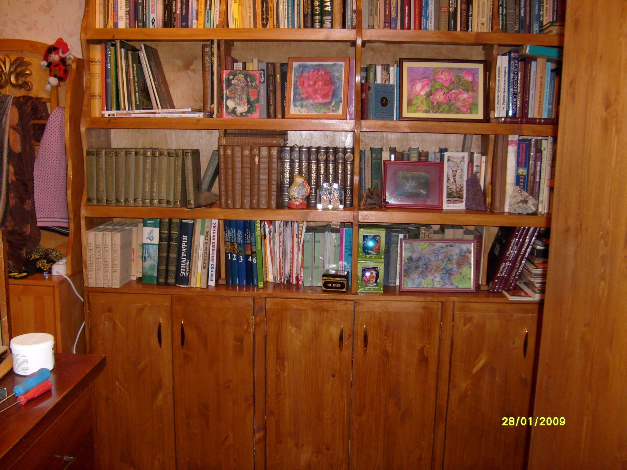 Книжные шкафы, библиотеки: продажа, цена в дубне. столярные .